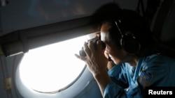 Pamje nga kërkimet për aeroplanin e zhdukur