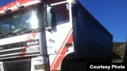 Գնդակոծված բեռնատարը՝ Բաղանիս - Ոսկեպար ճանապարհին։ Լուսանկարը՝ Բաղանիս համայնքի ղեկավար Նարեկ Սահակյանի ֆեյսբուքյան էջից։