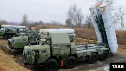 S-300 surface-to-air missile systems are shown deployed in a military exercise by the Baltic Fleet of the Russian Navy in the Kaliningrad region in January.