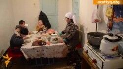 Многодетная семья в неотапливаемом доме