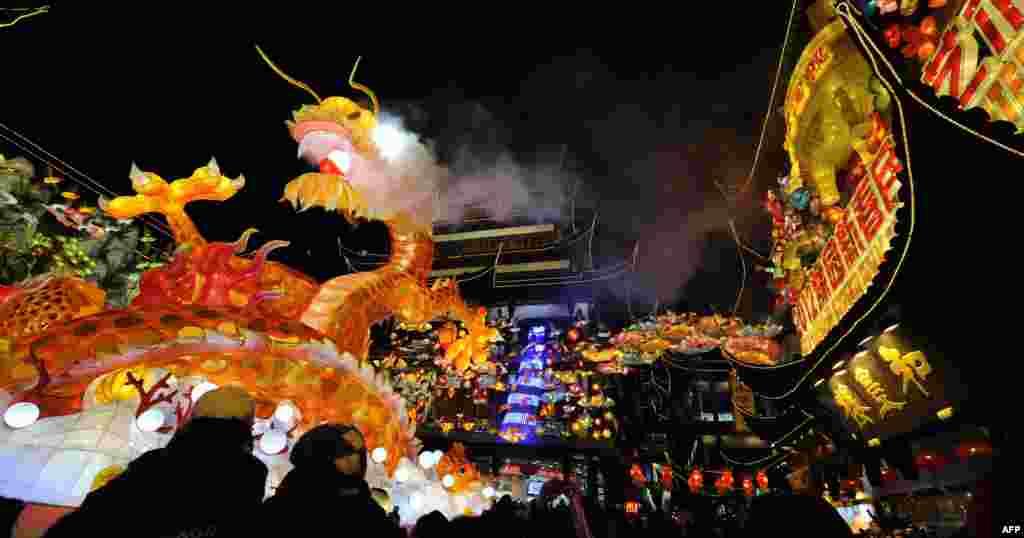 هزاران اشتراک کننده در جشن سال نو چینی در شانگهای