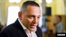 Народний депутат із фракції «Слуга народу» Максим Бужанський в кулуарах Верховної Ради України