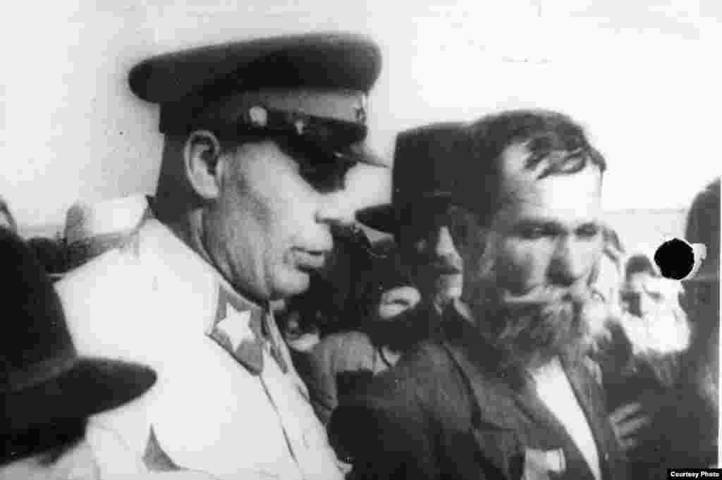 Mareșalul D.K Timoșenko la Chișinău la 28 iunei 1940 (Source: ANM).