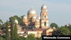 По словам Давида Пилия, Новый Афон – это не просто храм, в который идут паломники и туристы, Новый Афон – это душа Абхазии