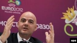 УЕФА атқару комитетінің бас хатшысы Джанни Инфантино. Украина, тамыз 2010 жыл.