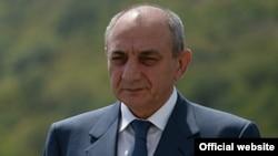 Բակո Սահակյան, արխիվ