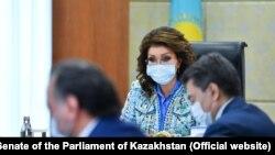 Дариға Назарбаева сенат отырысында. Сенат сайтынан алынған сурет.