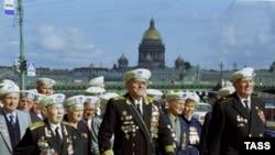 Марш ветеранов полярных конвоев в Санкт-Петребурге