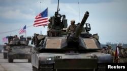 Gürcüstanda ABŞ tankları.