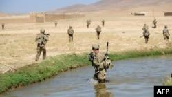 ناټو په افغانستان کې شااوخوا لس زره سرتیري لري