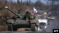 Украинадағы ресейшіл сепаратистер. Луганск, 28 қазан 2014 жыл.