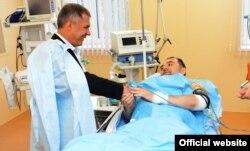 Татарстан бас мүфтиі Илдус Файзов жарылыстардан соң ауруханаға түсті. Қазан, 19 шілде 2012 жыл.