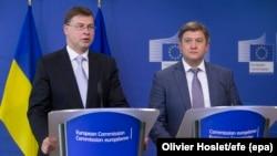 European Commission Vice President Valdis Dombrovskis (left) and Ukraine's Finance Minister Oleksandr Danyliuk in Brussels in September