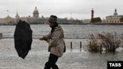 Питерская погода пока городской власти не подчиняется