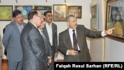 الخطاط عادل الهادي في إفتتاح معرضه بعمّان