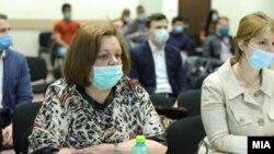 """Катица Јанева и адвокатката Ирена Фрчкоска на рочиште за """"Рекет"""""""