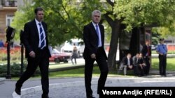 Tomisllav Nikolliq dhe ndihmësi i tij, Aleksandar Vuçiq