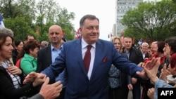 Milorad Dodik među pristalicama na protestu u Banjaluci, maj 2016.
