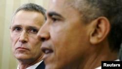 АҚШ президенти Барак Обама НАТО бош котиби Йенс Столтенберг билан, Вашингтон, 2015 йил 26 майи.