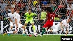 Պորտուգալացի Ռենատո Սանչեսը հանդիպման 33-րդ րոպեին գրավում է Լեհաստանի հավաքականի դարպասը՝ հավասարեցնելով հաշիվը, Մարսել, 30-ը հունիսի, 2016թ.