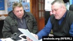 Семенов с заявлением в суд и адвокатом