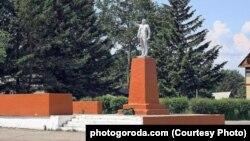 Памятник Ленину в амурском городе Зея