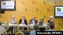 """Promocija knjige """"""""Zloupotrebljene institucije: Ko je bio ko u Srbiji 1987.-2000"""", Beograd, 29. juni 2011"""