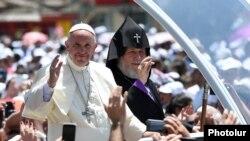 Armenia - Pope Francis tours Gyumri's Vardanants Square with Catholicos Garegin II, 25Jun2016.