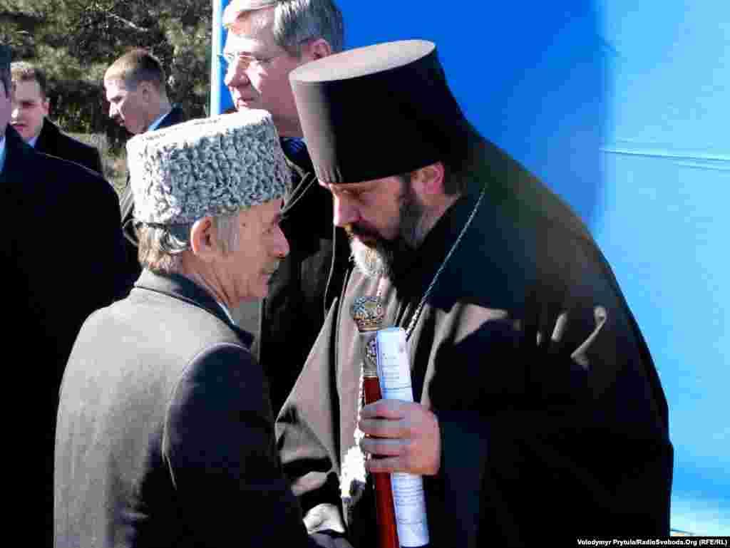 Мостафа Җәмилев (с) Украина патриархы Климент белән