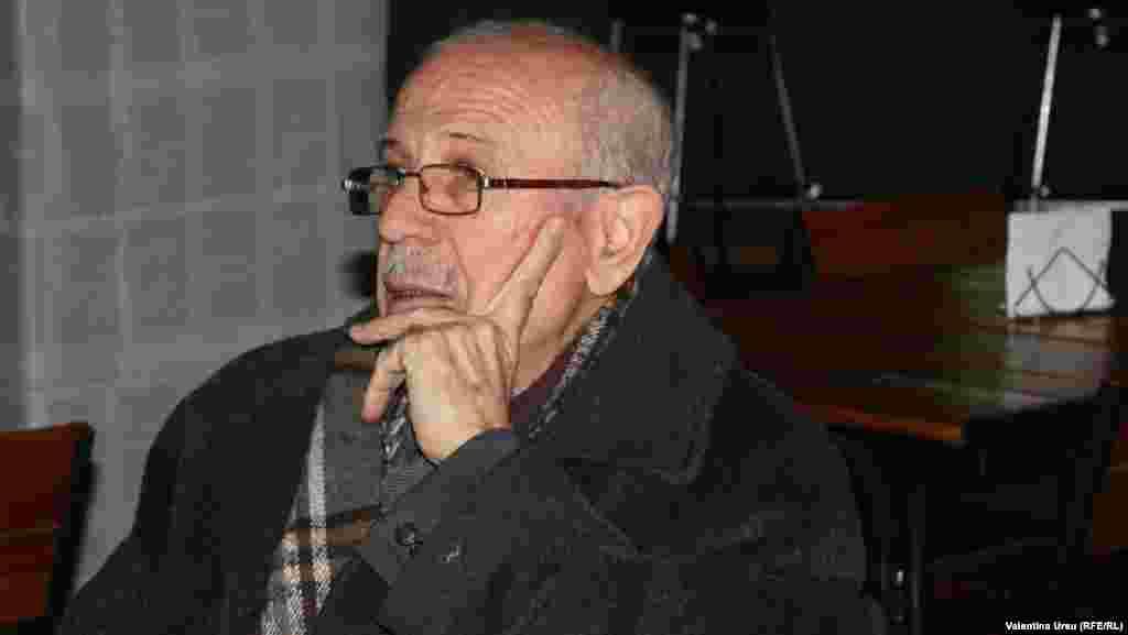 Scriitori invitați: Andrei Burac