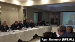 Участники круглого стола к 14-й годовщине убийства оппозиционного политика Алтынбека Сарсенбаева.