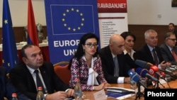 Armenia - Piotr Switalski (second from right), head of the EU Delegation in Armenia, speaks at an anti-corruption seminar in Yerevan attended by Armenian Justice Minister Arpine Hovannisian (secon from left) and Education Minister Levon Mkrtchian, 13May20