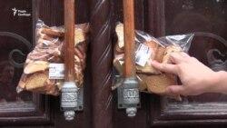 «Cухарі для Добкіна» залишили біля харківського офісу «Опозиційного блоку» (відео)