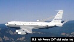 Самолет наблюдения США Boeing OC-135B Open Skies.