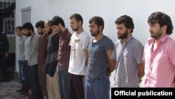 Граждане Таджикистана, признанные виновными в водружении в центре столицы черного флага «Исламского государства».