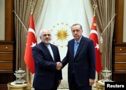 Түркиянын президенти Режеп Тайип Эрдоган жана Ирандын тышкы иштер министри Жавад Зариф.