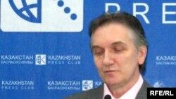 """Сергей Грисюк - """"Аспандау"""" қорының басқарма төрағасы. Алматы, желтоқсан, 2008 жыл."""
