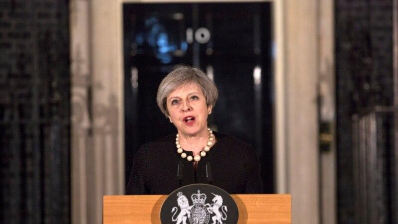 тереза мэй пытается повлиять итоги выборов британии