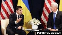 Президент України Володимир Зеленський (ліворуч) і віце-президент США Майк Пенс. Варшава, 1 вересня 2019 року