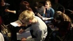 У Львові стартував марафон «Напиши лист політв'язню Кремля» (відео)