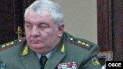 Начальник Генерального штаба ВС Армении, генерал-полковник Юрий Хачатуров (архив)