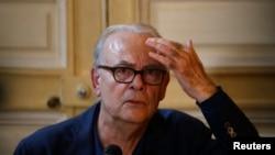 Patrick Modiano la o conferință de presă în 2014