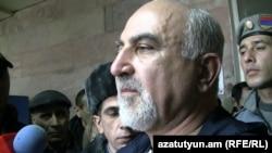 Паруйр Айрикян на встрече с журналистами