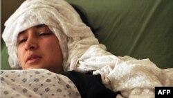 دختر افغان آسیبدیده از حمله با گاز در بیمارستان