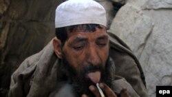 یو تن افغان معتاد