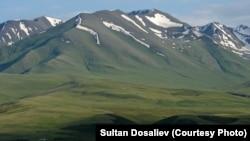 Қырғызстандағы таулы аймақ. Көрнекі сурет