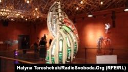 У Львові експонують мистецькі вироби українських студентів із вторинної сировини