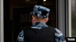 Сотрудник полиции России. Иллюстративное фото.