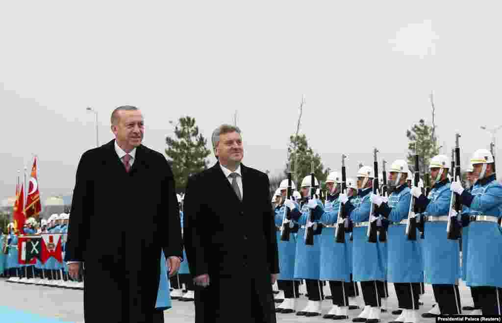 МАКЕДОНИЈА / ТУРЦИЈА - ПретседателотЃорге Иванов е во посета наТурција. Ова ешеста негова посета во оваа 2018 годинана земјата со која раководи Реџеп Таип Ердоган. Иванов во Турција бил во февруари, април, мај, јули, октомври и сега во ноември.