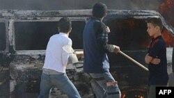 پس از شکست آتش بس روز یکشنبه که بر سر آن توافق شده بود، چند تن در جریان درگیری های جناحی در غزه کشته شدند.